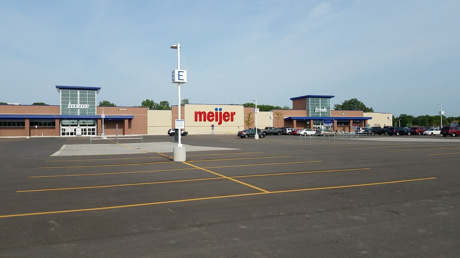 The new 159,000 square feet Meijer is located on a 21.5 acre site.